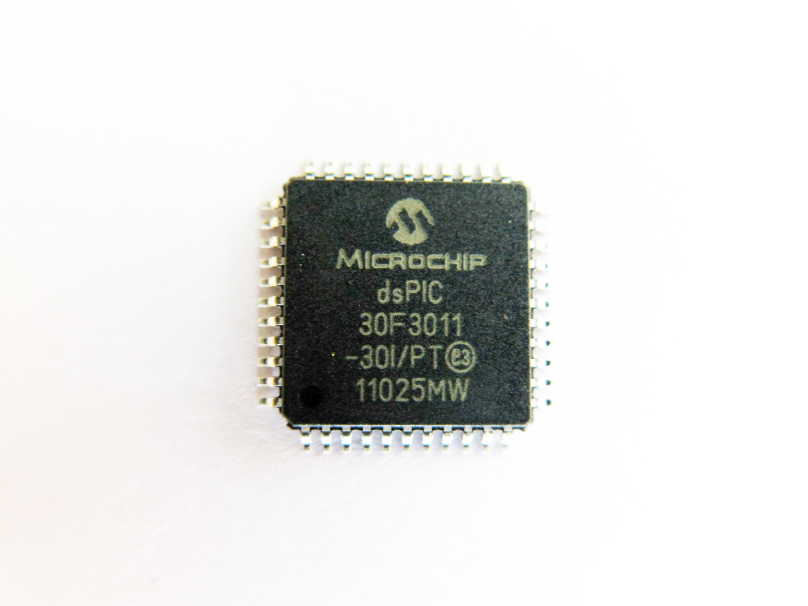 Analog To Digital Converter Using Pic16f877a Microcontroller Dspic30f3011 16 Bit Pic